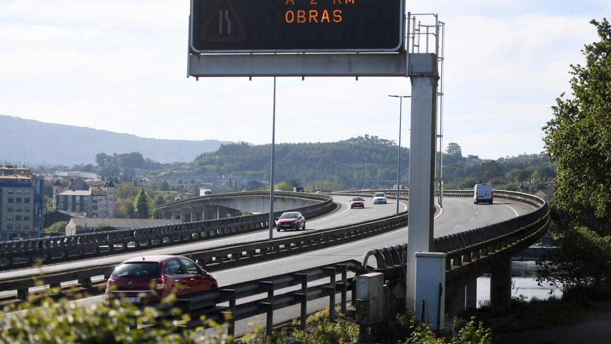 Tráfico en la AP-9 a su paso por Pontevedra.