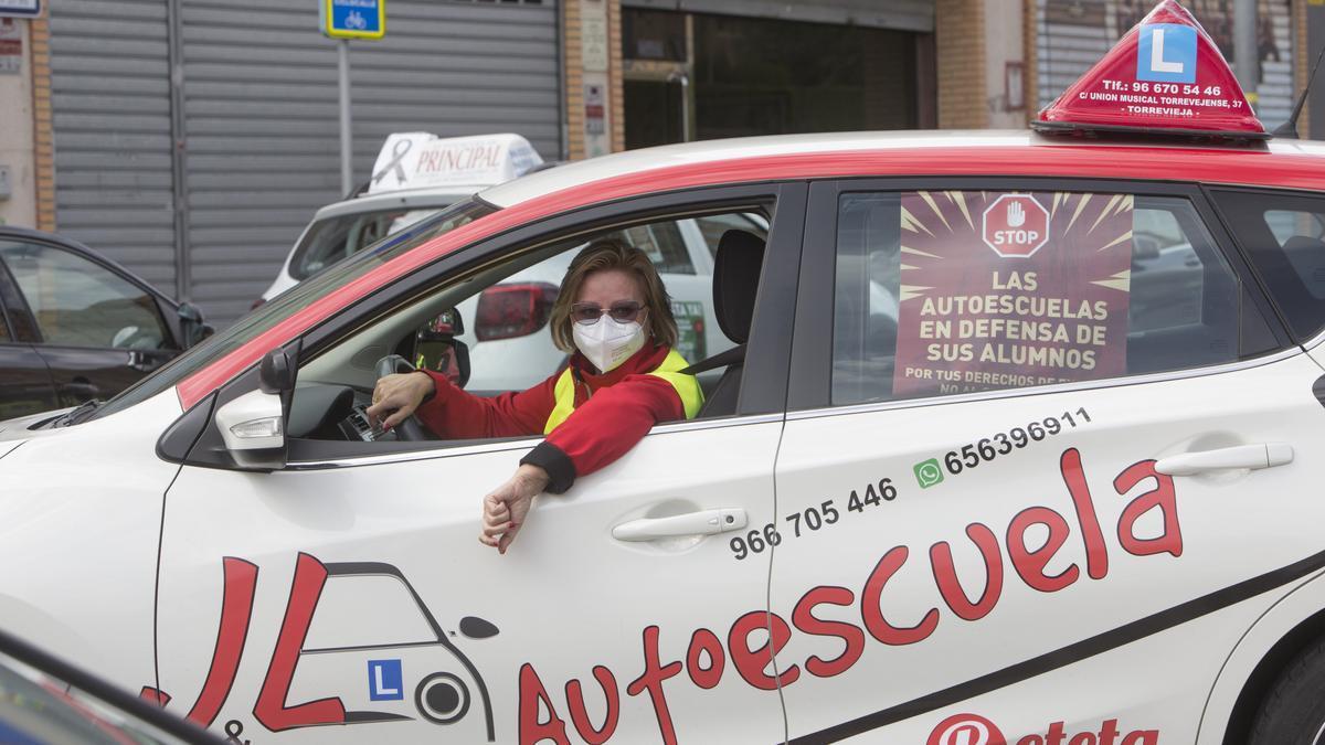 Protesta de las autoescuelas en Alicante