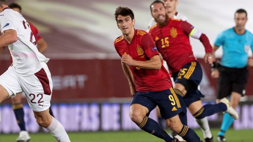 Moreno y Llorente abandonan la selección por sendas dolencias musculares