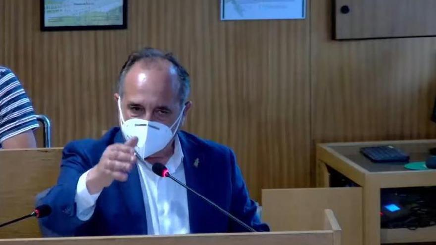 Sotelo amenaza con dimitir si el Sergas no rectifica y deja a Cangas sin consultas por la tarde
