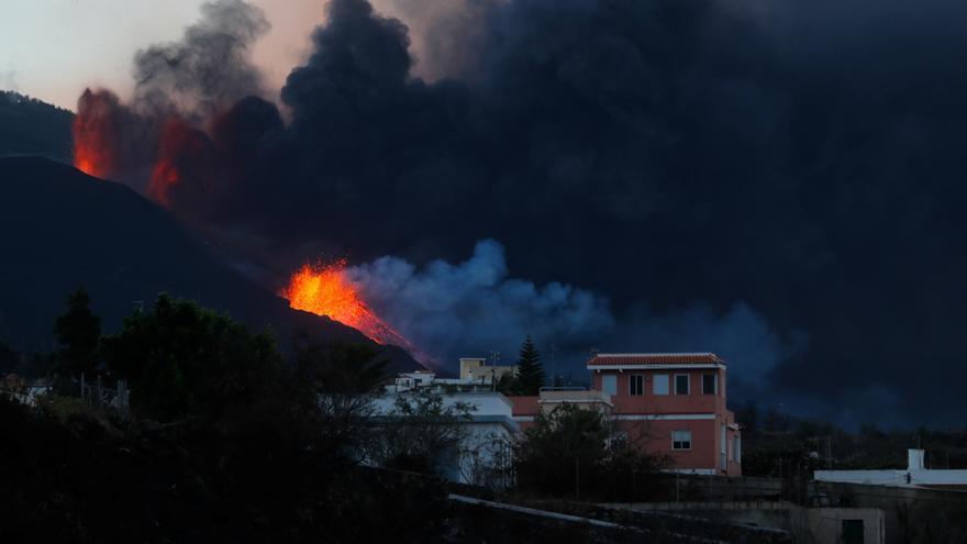 El volcán de La Palma se convierte en el principal foco emisor de azufre del planeta