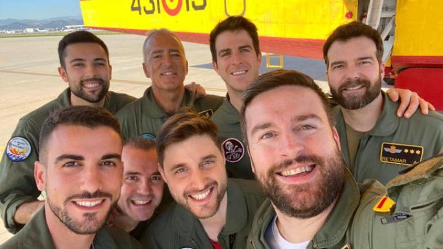 Vítores y aplausos para los héroes de los hidroaviones