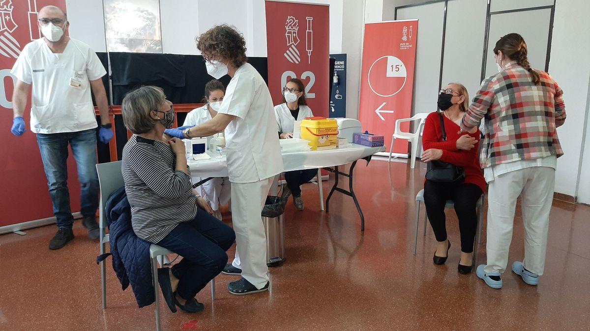 La vacunación en la Generalitat se incrementará hasta los 124 puntos de vacunación.