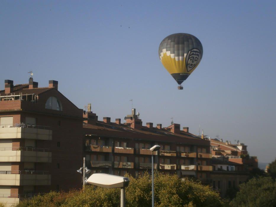 Globus sobrevolant Manresa.