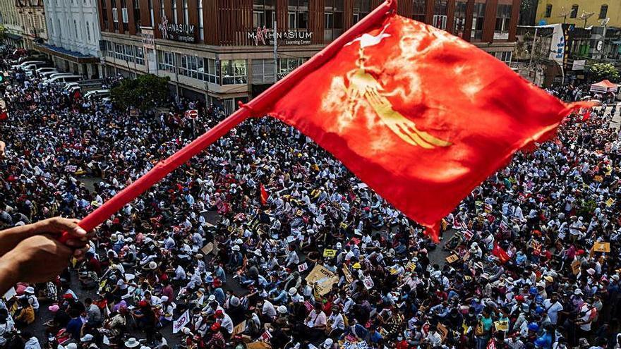 Birmània intensifica les protestes i l'ONU alerta d'un desenllaç fatal