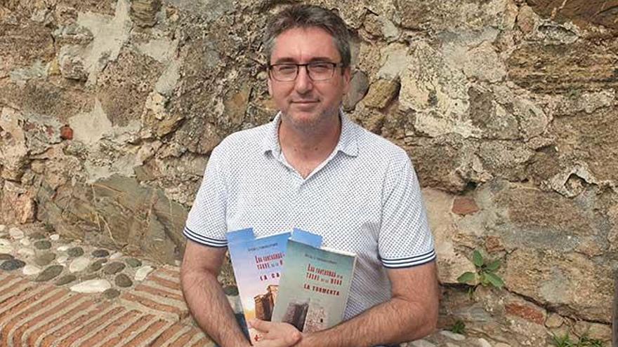 Ángel Vargas, guardia civil y novelista