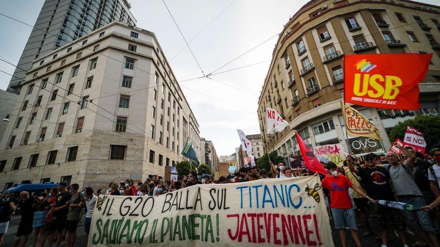 Las protestas contra el pasaporte sanitario crecen en Italia