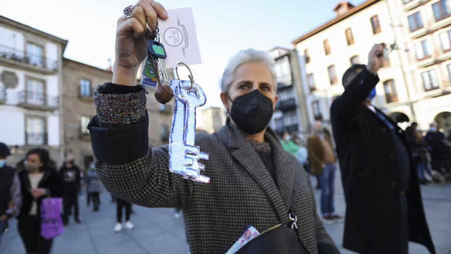 Protestas de los comerciantes avilesinos contra el cierre de sus negocios