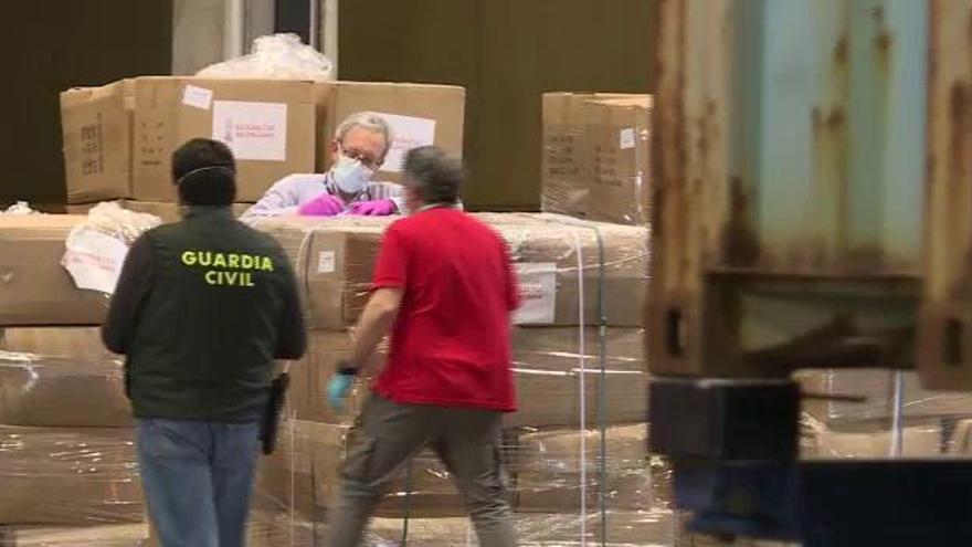 Comienza el reparto de las 65 toneladas de material sanitario procedente de China