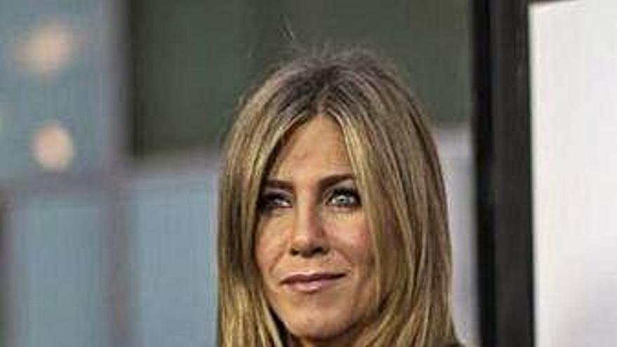 """La actriz Jennifer Aniston reconoce que se crió en un """"hogar desestabilizado"""""""