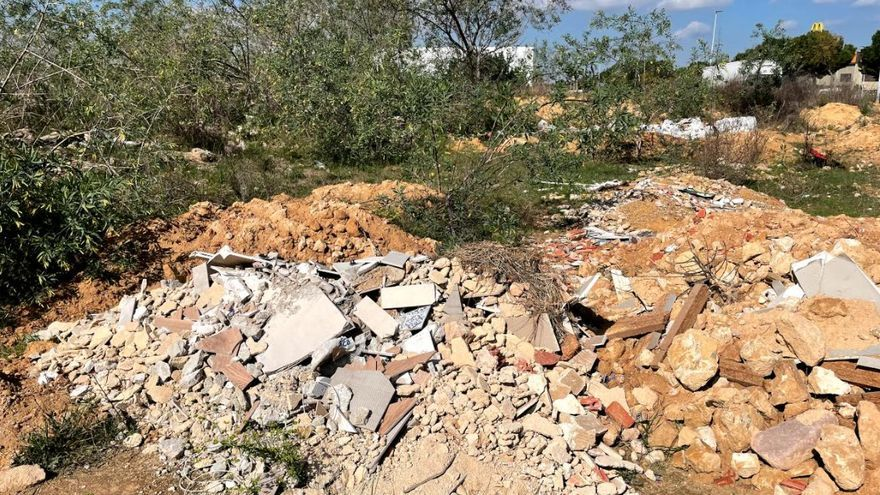 Compromís denuncia vertederos ilegales cerca del Ecoparc de Torrent