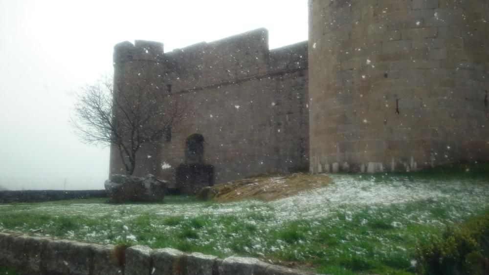 La nieve también cae en Puebla de Sanabria