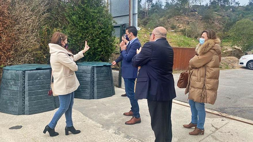 Cambados se lanza al compostaje con 400 contenedores individuales y 20 colectivos