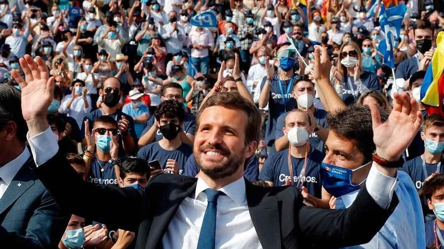 Casado se da en València su primer baño de masas en tres años como líder del PP