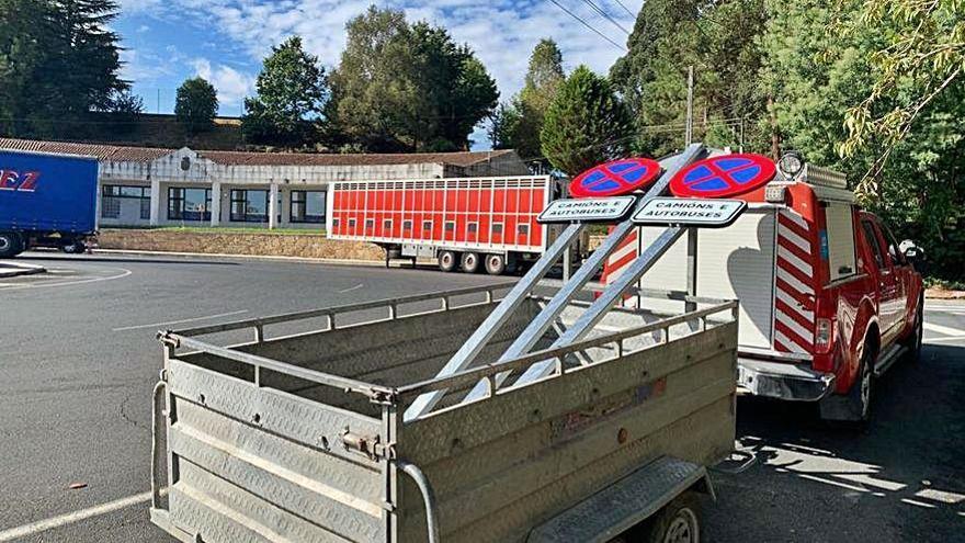 Prohíben aparcar vehículos pesados en Camilo José Cela