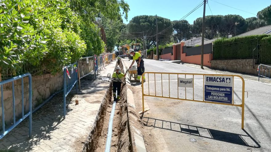 Emacsa empieza la obra de renovación de la red de abastecimiento de Cerro Muriano