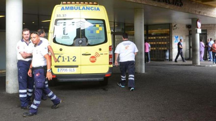 Un motorista herido al colisionar contra un coche en Arucas