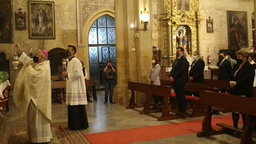 El obispo felicita a las cofradías