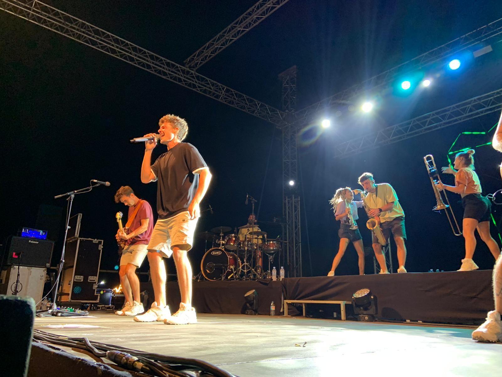 Miki Núñez tanca la 14a edició del Portalblau