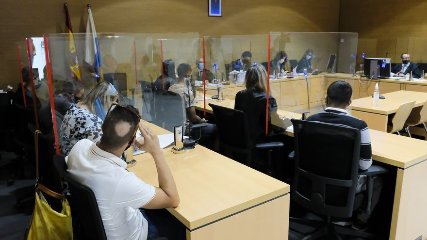 Primera sesión del juicio contra cuatro jóvenes por presuntos abusos sexuales a menores