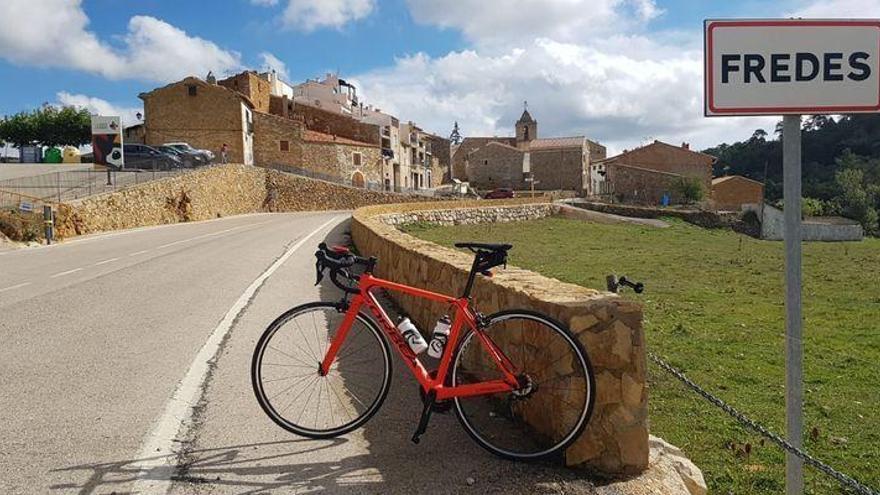 El alcalde de un pueblo de Teruel se pierde durante una ruta ciclista por Fredes