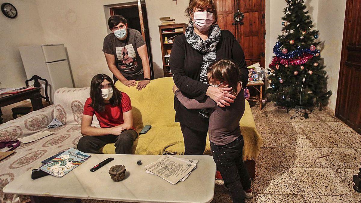 Carrera contrarreloj para evitar el desahucio en Navidad de una mujer en paro y con tres hijos