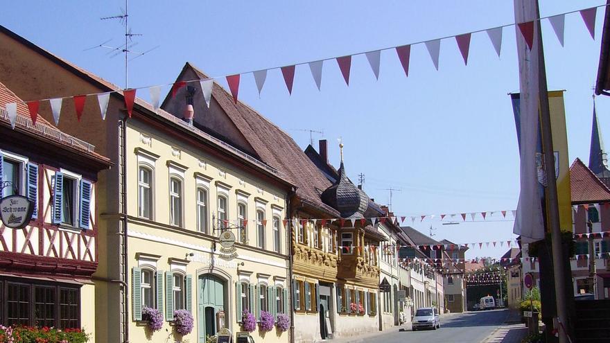 2.600 euros al mes por trabajar de albañil en un pueblo con tres fábricas de cerveza