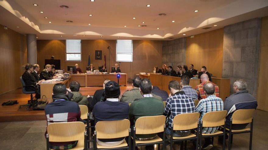 """La fiscal mantiene los casi cien años de cárcel para los """"narcos"""" asturgalaicos"""