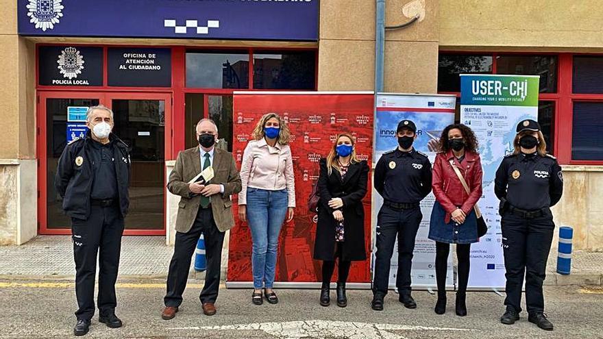 Tres nuevos puntos de recarga de vehículos eléctricos para la Policía