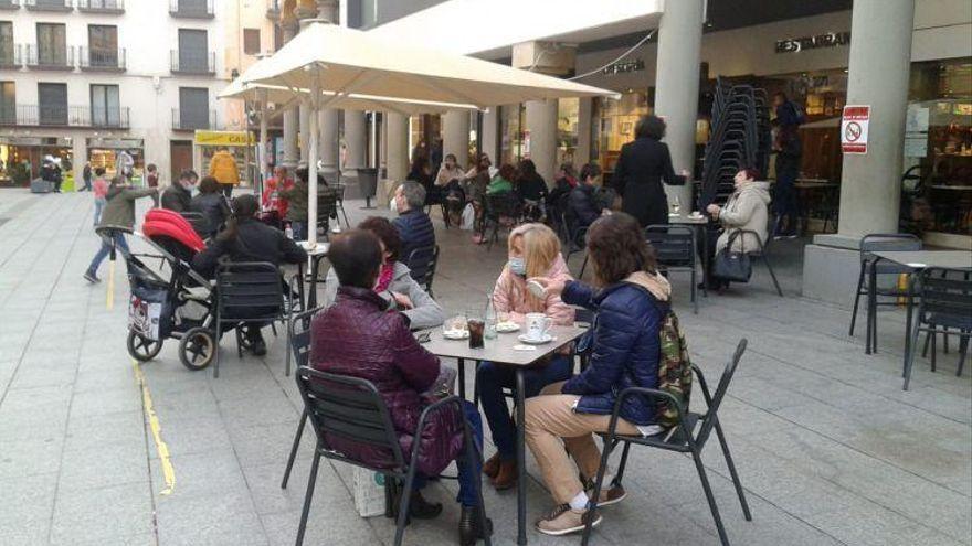 El ocio nocturno de Huesca espera que se flexibilicen los horarios para cerrar más tarde
