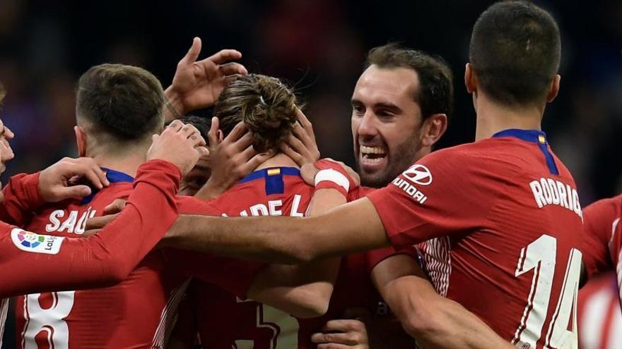 El Atlético se aúpa al liderato ante la Real Sociedad