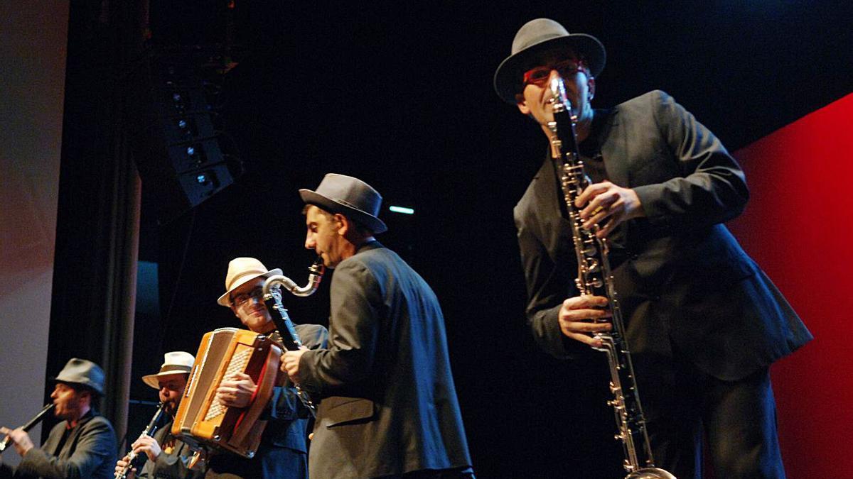 O Cuarteto Caramuxo durante a súa actuación nos Premios Opinión de 2009. |   // CARLOS PARDELLAS