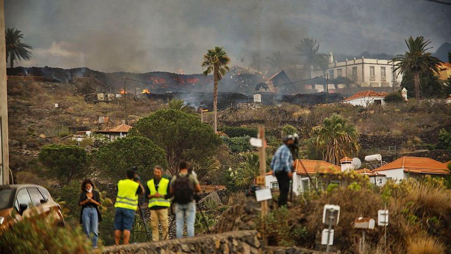 L'avanç de la lava a La Palma amenaça de sepultar un miler d'habitatges