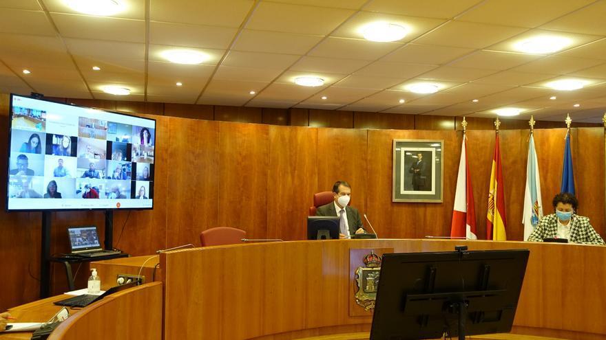 El Pleno pide a la Xunta que permita la compatibilidad de la Risga y el IMV