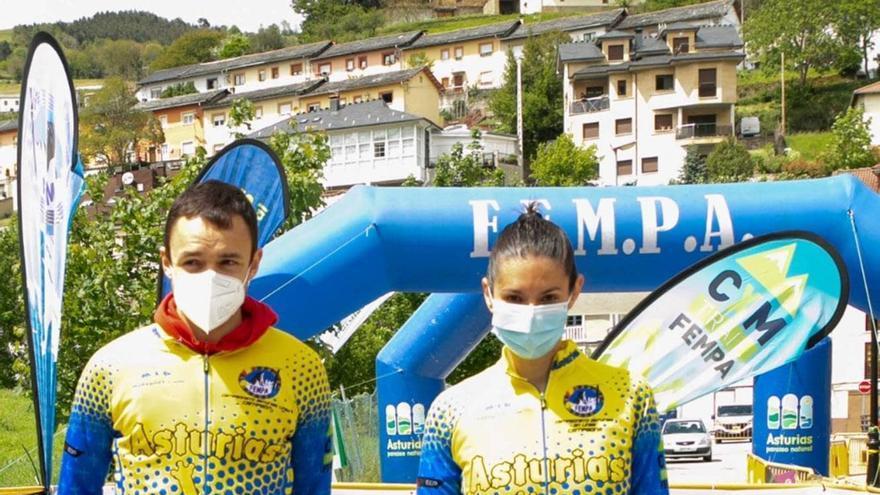 El cangués Pablo Sierra y la ovetense Marta Martinez, campeones de Asturias de carreras por montaña en línea
