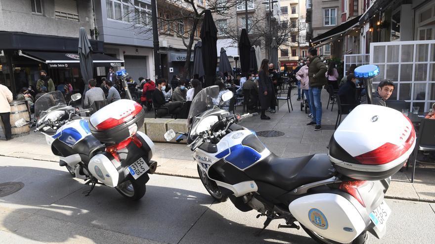 El 092 desaloja las plazas Cormelana y María Auxiliadora y la calle Vista por concentraciones nocturnas