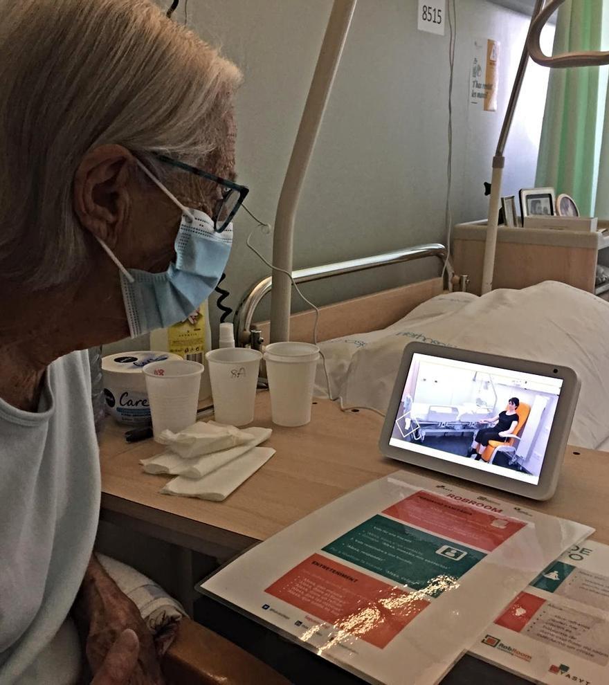El Centre Sociosanitari Bernat Jaume instal·la assistents de veu a les habitacions i al control d'infermeria de la segona planta