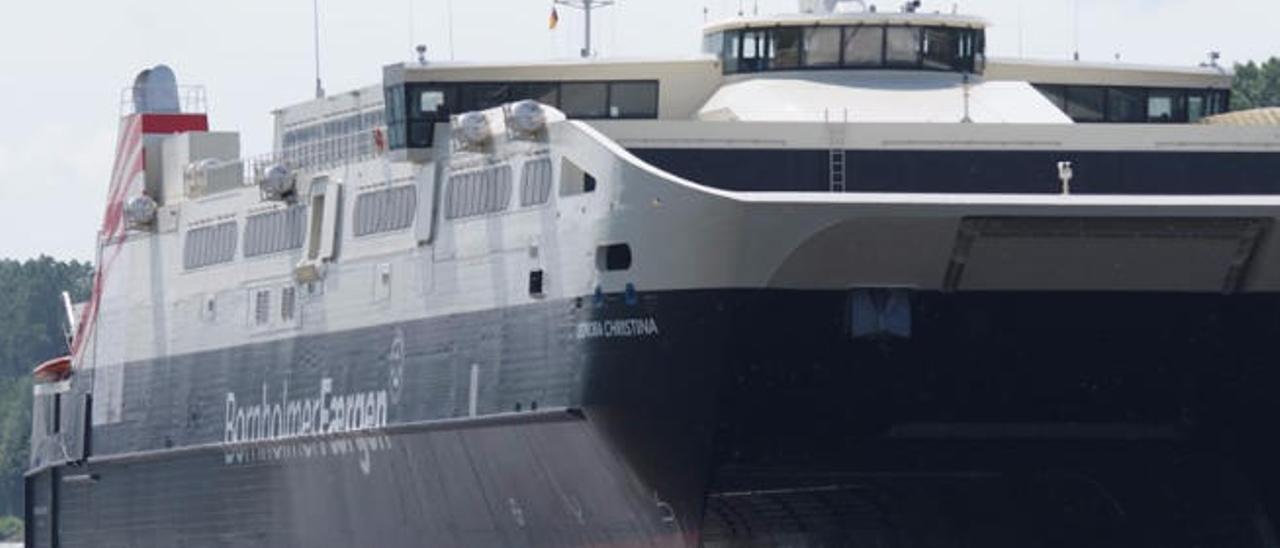 Fred. Olsen adquiere un catamarán que tendrá su base en el Puerto de La Luz