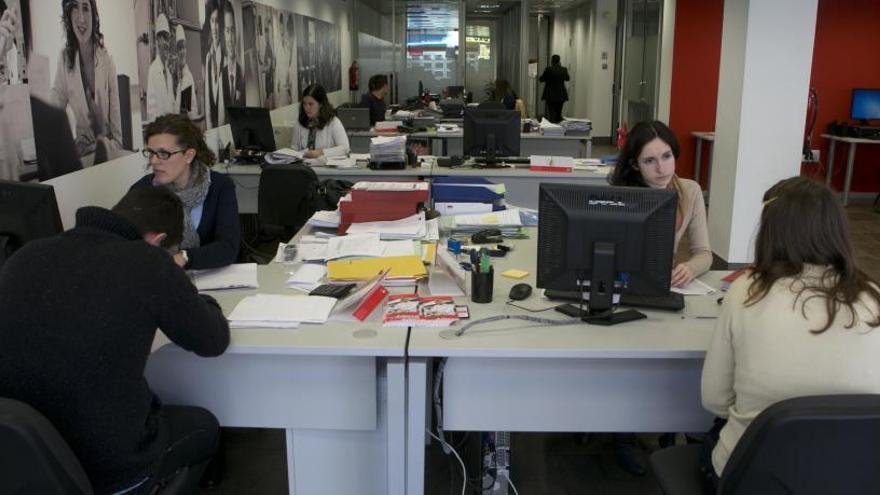 Adecco busca 80 personas en Alicante para trabajar en el almacén de Bricomart