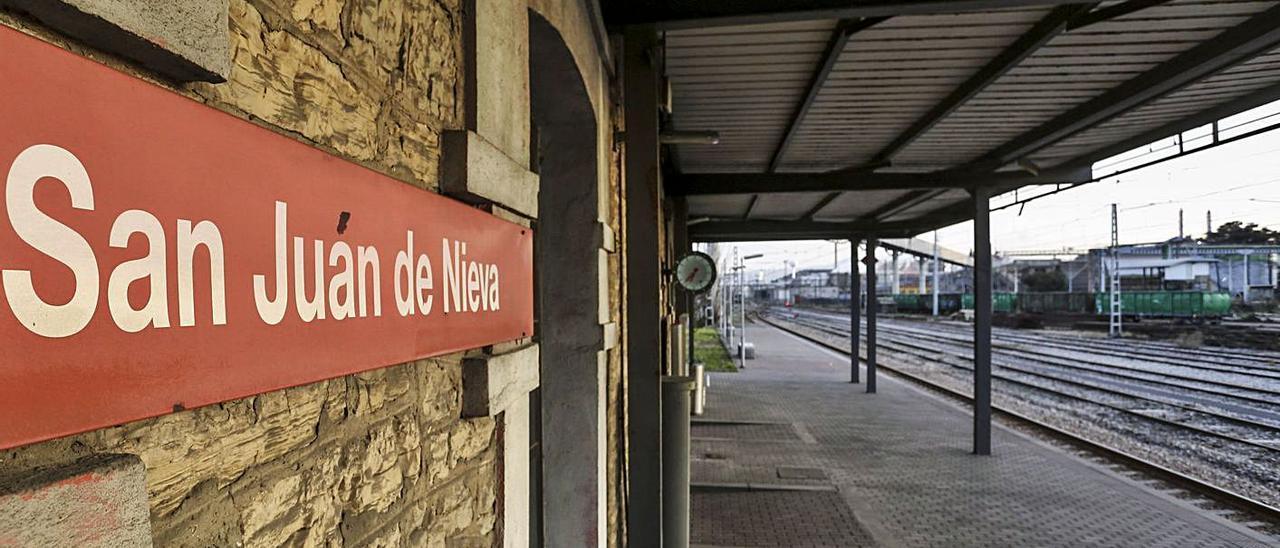 Estación de Renfe de San Juan de Nieva.