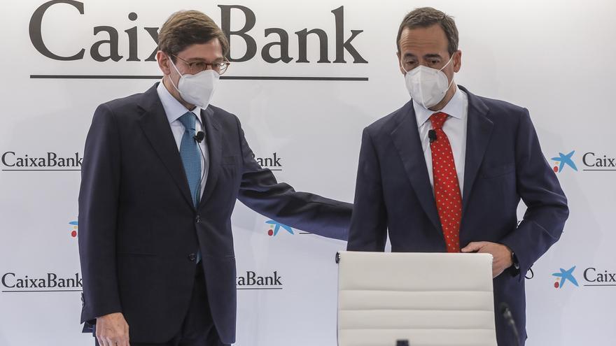 CaixaBank mejora las condiciones para los despedidos por el ERE