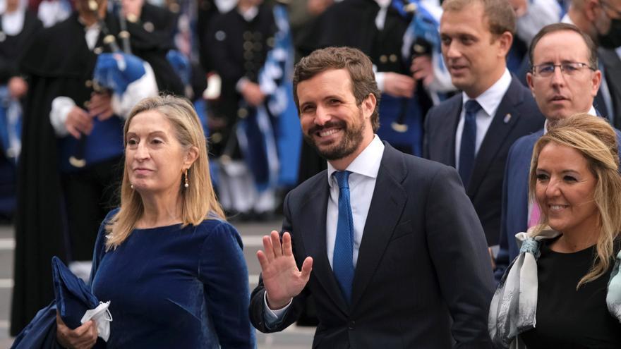 """Dirigentes del PP creen que a Casado le ha convenido ponerse """"el traje de hombre de Estado"""""""