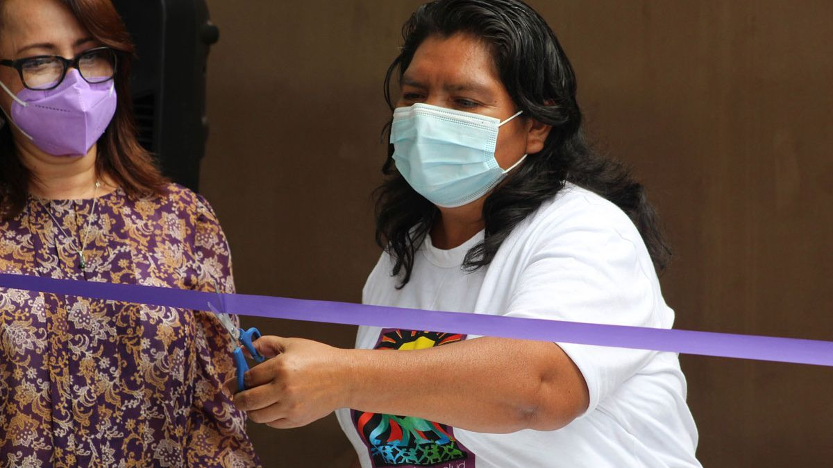 Inauguración de un centro de salud sexual y reproductiva en El Salvador, financiado por el Gobierno de Aragón a través de Medicus Mundi.