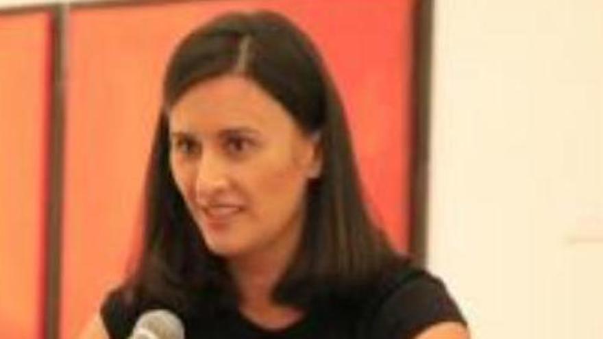 Una exdiputada revela que un cargo público abusó de ella