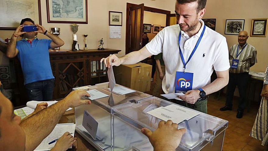 Hernández liderará el PP con el fin      de recuperar al votante de Cs y Vox