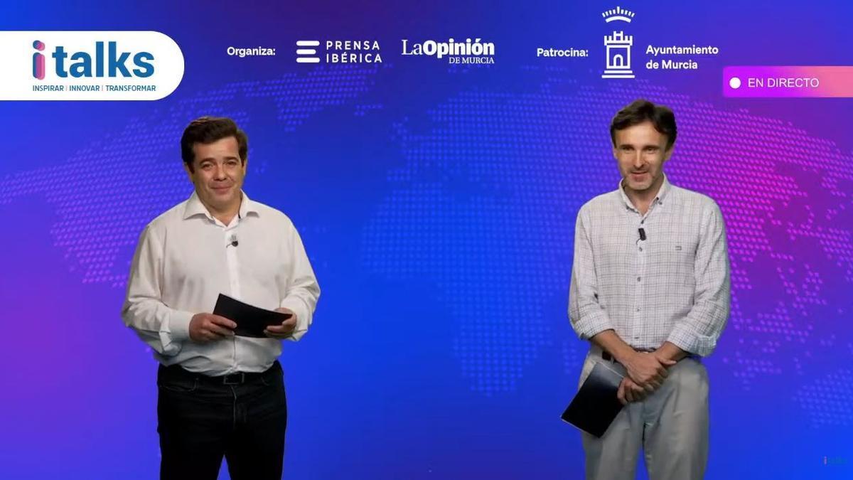 Francisco Javier Párraga (I) y Jorge García Montoro (D) presentaron la ponencia magistral de 'i-Talks Turismo 5.0'.