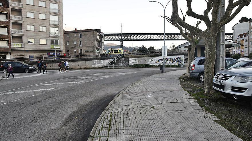 El Concello de Redondela repara la Avenida Mendiño aunque la competencia es autonómica