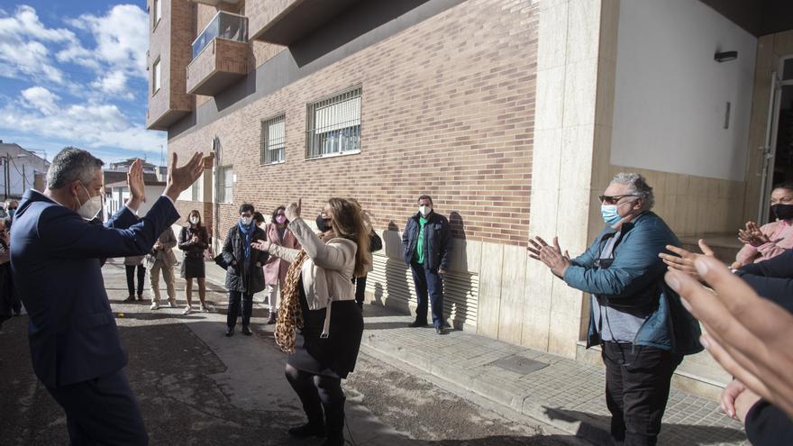El vicepresidente Dalmau y el alcalde de la Pobla de Vallbona se atreven con el flamenco