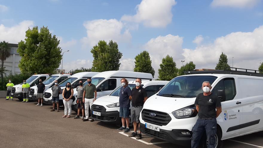 El Ayuntamiento de Almussafes renueva la flota municipal con siete vehículos para obras, urbanismo y el servicio eléctrico
