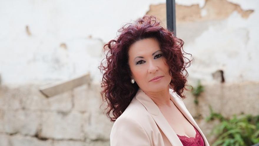 Antonia Contreras canta a las poetas en Álora